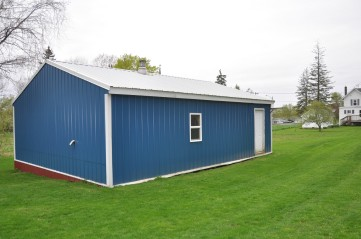 Outbuilding - located in the backyard.