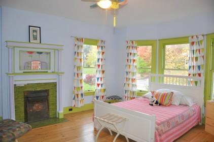 Hardwood Floors, Big Windows, High Ceilings, Original Details!